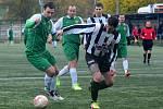 Zajímavý duel se hrál na umělé trávě v Berouně, kde Nový Jáchymov ( v zeleném) přivítal Osek. Ten sice vedl, ale po přestávce Čechie zápas otočila na 3:1.