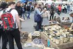 Kvalitního zboží je široká nabídka. Na trzích panuje tradičně příjemná atmosféra. Sobotní počasí bylo slunečné.
