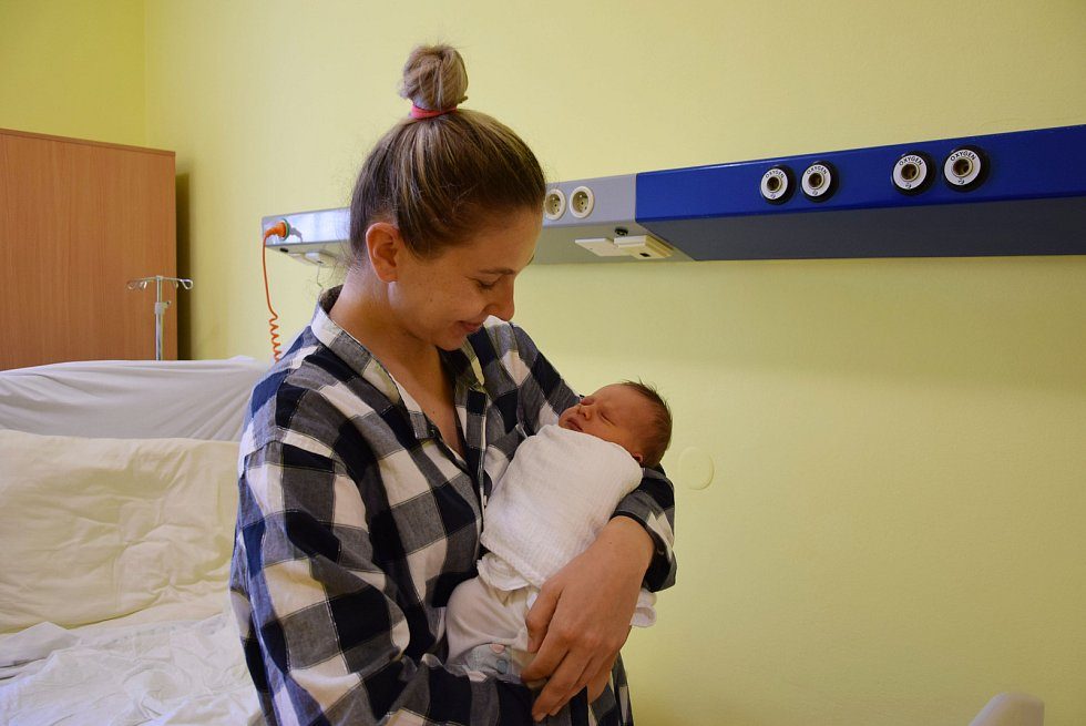Kristýna Kolářová se manželům Kristýně a Jiřímu narodila v benešovské nemocnici 8. května 2021 v 11.48 hodin, vážila 3470 gramů. Bydlištěm rodiny jsou Bukovany.