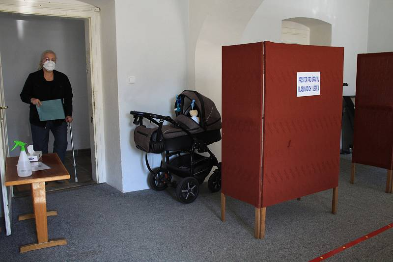 Parlamentní volby v Hořovicích.