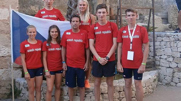 Po závodech česká reprezentace s chutí pózovala.