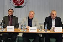 Ministr vnitra Milan Chovanec při besedě v Berouně