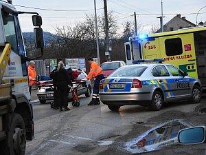 Silně krvácející muž vylekal v sobotu v podvečer návštěvníky jednoho ze supermarketů v nákupní zóně