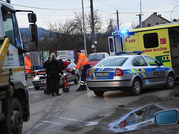 Silně krvácející muž vylekal v sobotu v podvečer návštěvníky jednoho ze supermarketů v nákupní zóně v Berouně.