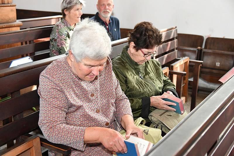 Z oslavy 95. výročí založení Sboru Jiřího z Poděbrad ve Tmani.