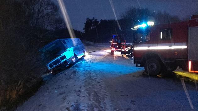 Nehoda autobusu mezi Berounem a Vráží