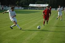 Vojtěch Zítek (v bílém) vstřelil rozhodující gól