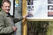 Místostarosta Berouna Ivan Kůs při otevření Talichovy naučné stezky.