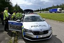 Ve středních Čechách bude jezdit nové policejní auto s nejmodernějším radarem, a sice Škoda Superb 4x4 s dvoulitrovým motorem o výkonu 206 kW