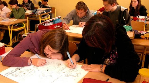 Většina žáků devátých tříd se přijímacím zkouškám na střední školu tentokrát vyhne