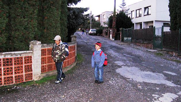 Oprava vozovky stála obec Osov sto tisíck korun