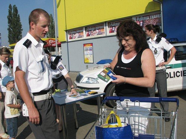 Policisté radili řidičům jak na zloděje