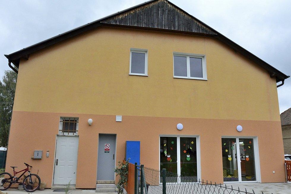 Z otevření nové mateřské školy v Železné.