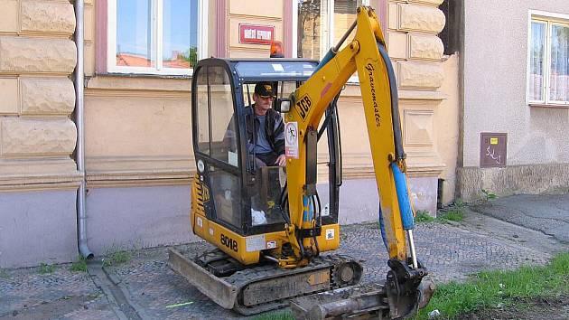 Výstavba lochovické kanalizace skončí v prosinci 2010