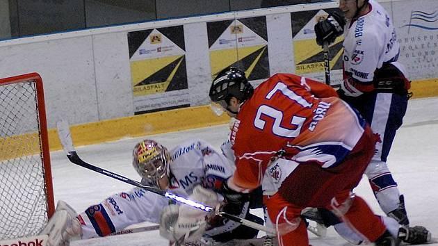 Berounští hokejisté vybojovali v Olomouci bod