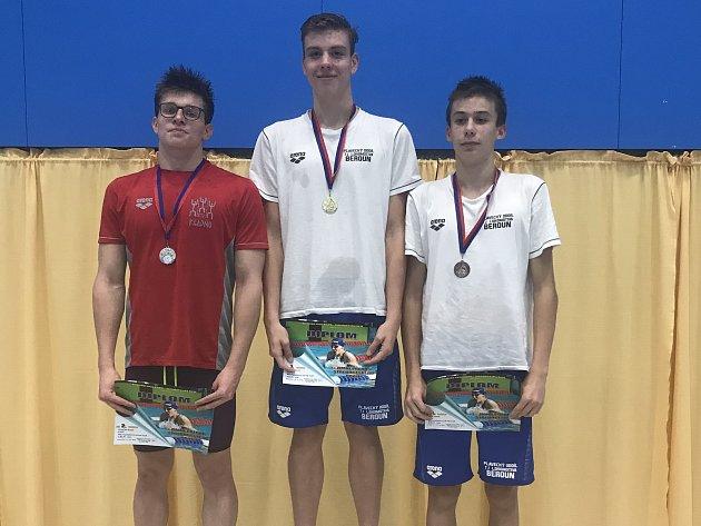 Berounští plavci v Kladně uspěli. 1. místo David Ludvík, 3. místo Tomáš Míka.