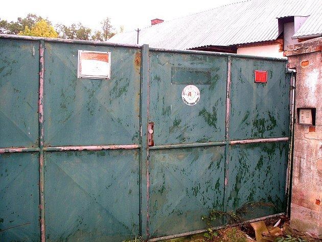 Na uskladnění nebezpečných látek v obci Lážovice upozornili místní občané