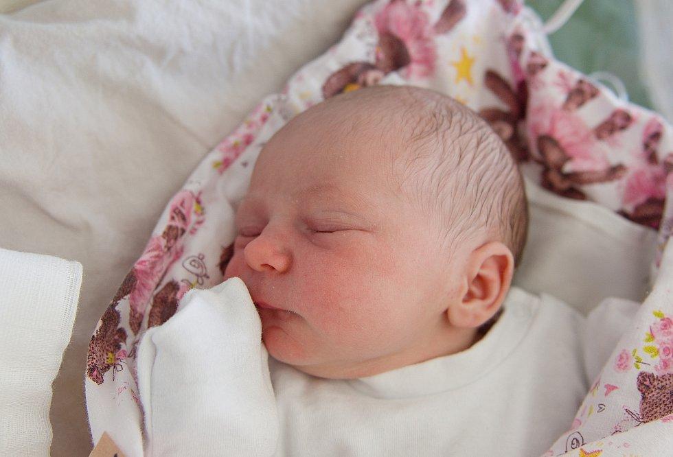Anna Votrubová se narodila v nymburské porodnici 9. května 2021 v 5.15 hodin s váhou 3060 g a mírou 48 cm. V Sadské bude holčička vyrůstat s maminkou Klárou, tatínkem Davidem a bráškou Davidem (3 roky).