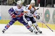 Berounští hokejisté vyhráli důležitý barážový zápas v Mosttě 3:2.