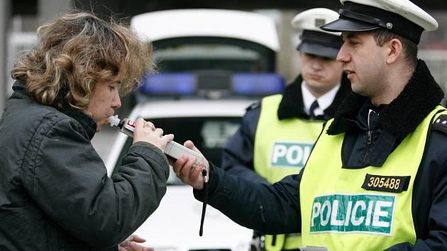 Policisté se při kontrolách zaměřili na požití alkoholu před jízdou.