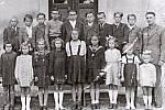 Obecná škola měla v Chodouní za první republiky dobré jméno.