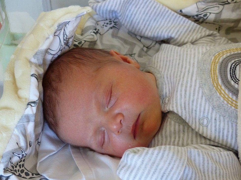 Kristýna Janouchová se narodila 8. května 2021 v kolínské porodnici, vážila 3920 g a měřila 51 cm. V Horoušici se z ní těší maminka Žaneta a tatínek Radim.