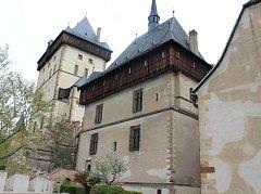 V obřadní síni hradu Karlštejn byla v pondělí symbolicky a slavnostně zahájena rozsáhlá obnova jedné z nejkrásnějších českých památek.