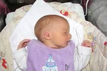 Manželům Janě a Petrovi Slimáčkovým se v pátek 1. května narodil prvorozený synek a dostal jméno po tatínkovi. Po příchodu na svět vážil Péťa 3,71 kg a měřil 49 cm. Chlapečka si šťastní rodiče odvezou domů do Nového Jáchymova.