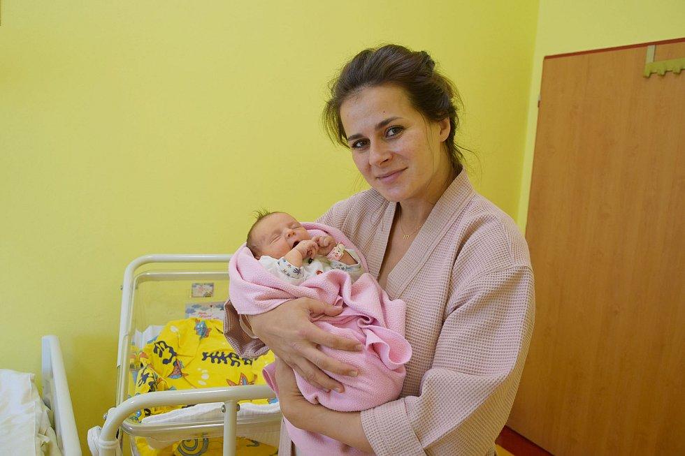 Meda Šetková se manželům Tereze a Petrovi narodila v benešovské nemocnici 7. června 2021v 11.30 hodin, vážila 3610 gramů. Doma v Postupicích ji čekala sestřička Ema (4).