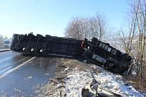 Dopravní nehoda kamionu na 27. kilometru dálnice D5 ve směru na Plzeň u Zdic.