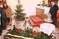 Nižborští přivítali zvony při slavnostní mši