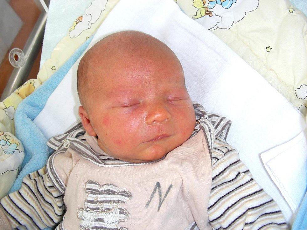 Ondřej Čížek se narodil v sobotu 27. srpna ve 14.44 hodin manželům Pavlíně a Pavlovi z Plzně. Ondrášek vážil po porodu 3,42 kg a měřil 49 cm. Jméno pro prvorozeného syna vybrala maminka.