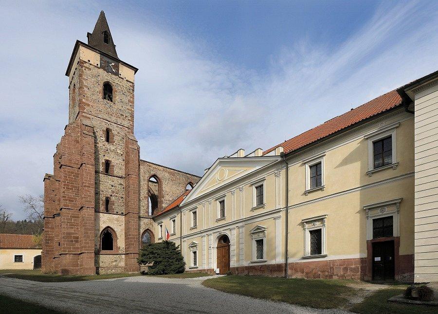 Středočeské památky ve správě Národního památkového ústavu. Na snímku klášter Sázava