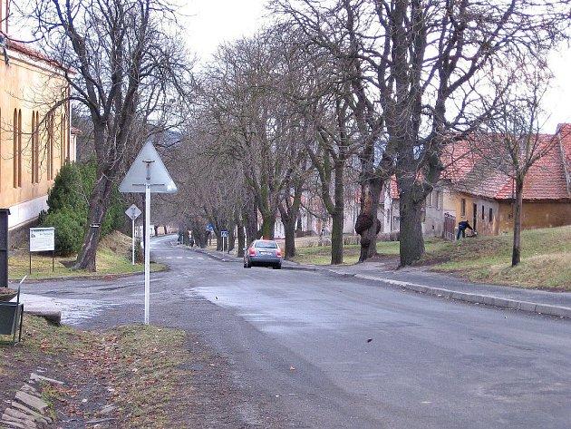 Hlavní řad obcí povede do čistírny z kopce