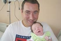 Antonín Kaprhál je prvorozeným synkem manželů Gabriely a Jana. Toník spatřil prvně světlo světa v sobotu 1. 8. a v ten den vážil krásných 3,89 kg a měřil 52 cm. Společně budou všichni žít doma v Hořovicích.