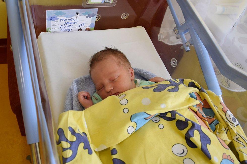 František Vacovský se Viktorii Trkolové a Miroslavu Vacovskému narodil v benešovské nemocnici 24. července 2021 ve 3.49 hodin, vážil 3380 gramů. Rodina bydlí v Peceradech.