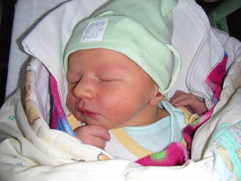 Manželům Křepelovým z Chýně se 1. září narodil druhý syna a rodiče mu vybrali jméno Daniel. Chlapeček vážil po porodu 3,57 kg a měřil rovných 50 cm. Daniel bude vyrůstat s bratříčkem Adámkem (3 r. 10 m.).