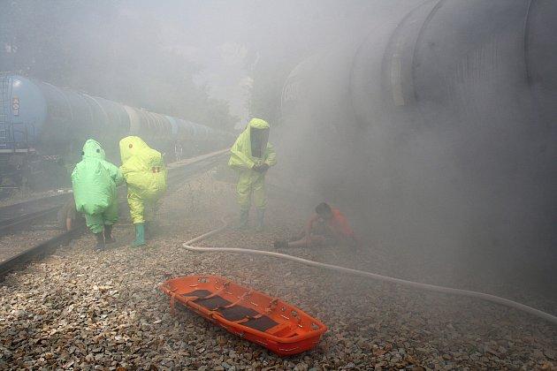Zásah při úniku chlóru z cisterny byl námětem středečního taktického cvičení integrovaného záchranného systému.
