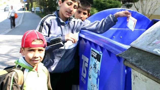 Velkému počtu lidí připadají poplatky za svoz komunálního odpadu příliš veliké a nespravedlivé.