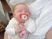 Pěknou váhou 4,92 kg a mírou 56 cm se mohla 18. března 2014 pochlubit Natálie Ráczová, prvorozená dcerka manželů Ivany a Robina Ráczových. Rodiče připravili pro Nátálku postýlku a hračky doma v Berouně.