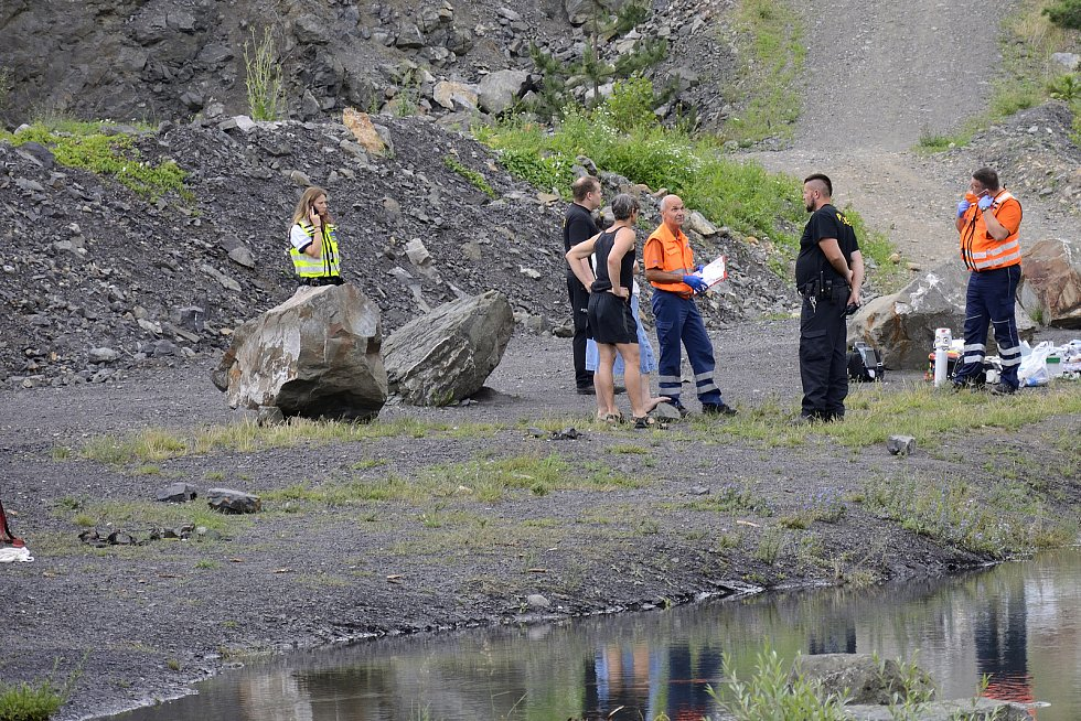 V přírodní nádrži Kosov u Berouna utonul muž.
