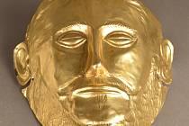 Výstava Mrtví jdou za sluncem v Muzeu Českého krasu.