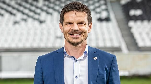 Ing. Jiří Sabou (sportovní ředitel).