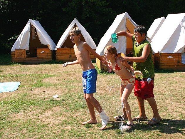 Letní dny jsou jako stvořené pro táborové radovánky.