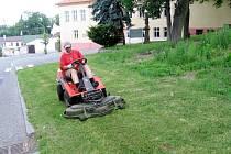 Sekání trávy vyvolalo v Hořovicích povyk