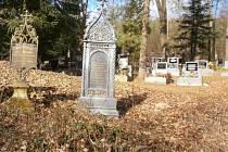 Lesní hřbitov v Novém Jáchymově je kulturní památkou České republiky.
