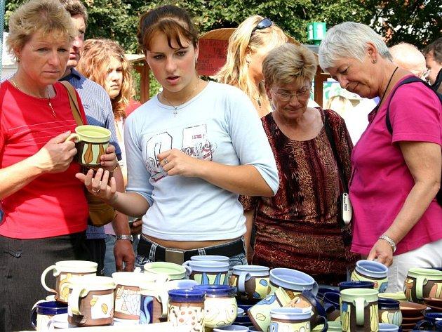 Návštěvníky trhů čeká bohatá nabídka výrobků.