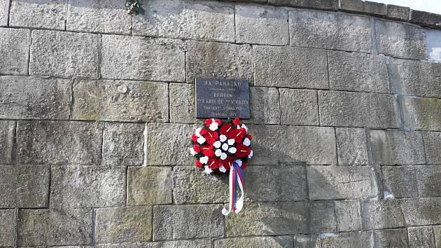 Berounští hasiči uctili památku utonulých kolegů - Václava Vojty a Františka Kruliše.