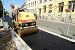 Nový propojovací chodník v ulici Havlíčkova a Plzeňská bude hotový do začátku školního roku.