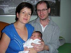 Dne 10. listopadu 58 minut po 3. hodině se stali poprvé rodiči manželé Petra a Roman Stehlíkovi z Let. V tento den se jim narodil syn s váhou 3,52 kg a mírou 52 cm, kterému vybrali jméno Daniel. Tatínek si nenechal narození synka ujít.